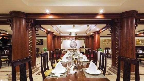 Bữa trưa  cùng doanh nhân  tại REX Sài Gòn