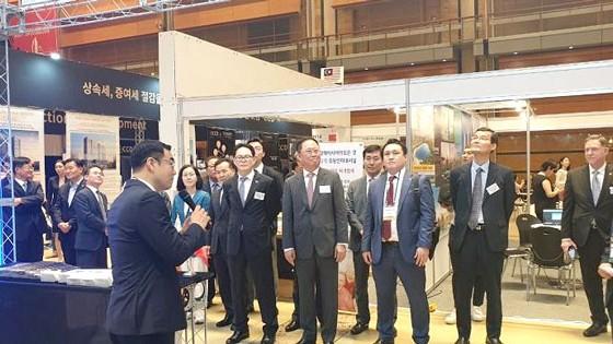 Gian trưng bày các dự án của Sunshine Group gây được sự chú ý của đông đảo quan khách và các nhà đầu tư quốc tế.