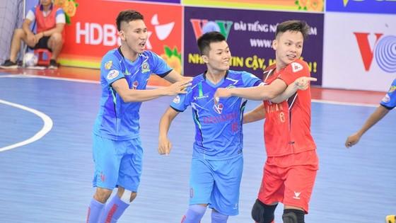 Niềm vui của các cầu thủ Sài Gòn FC khi bất ngờ thắng Thái Sơn Nam. Ảnh: Anh Trần