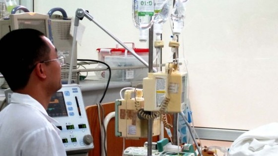 Injection of fluids must be under doctor's observation (Photo: SGGP)