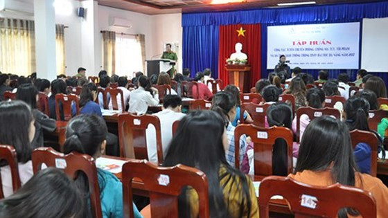 Medical workers in schools trained drug prevention