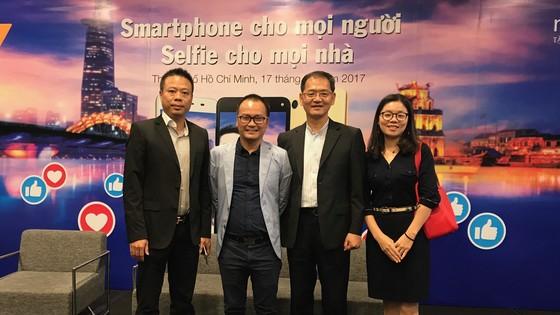Smartphone cho mọi người - Selfie cho mọi nhà sẽ là chiến lược lớn của Mobiistar trong thời gian đến