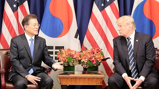 Moon, Trump to Hold Summit in Seoul Next Month