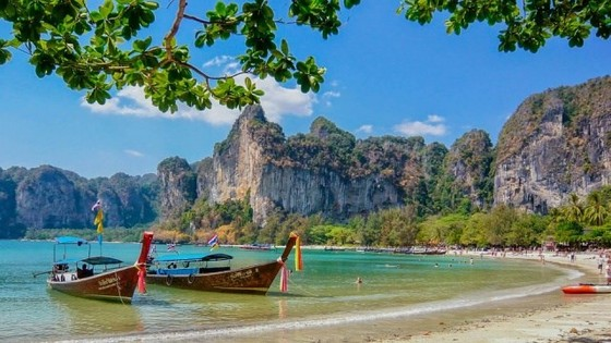 Smoking on Thai beaches to be fined 3,000 USD