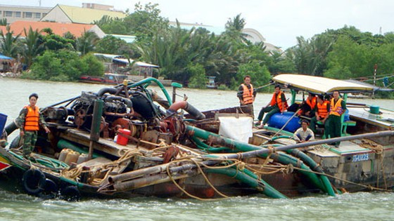 Ngưng 13 dự án khai thác cát thượng nguồn sông Đồng Nai