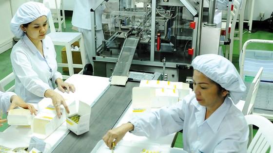 Sản xuất thuốc tại Công ty Roussel Việt Nam