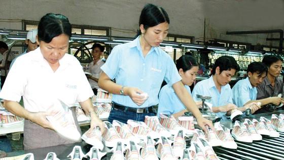 Sản xuất giày tại Công ty cổ phần Giày An Lạc