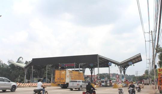 Trạm thu phí BOT tuyến tránh Biên Hòa tại tỉnh Đồng Nai đặt trên Quốc lộ 1 (xã Trung Hòa, huyện Trảng Bom) bị dư luận phản ứng Ảnh: XUÂN HOÀNG