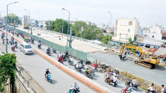 Cầu Nhị Thiên Đường 1 sắp hoàn thành                                                                                     Ảnh: CAO THĂNG
