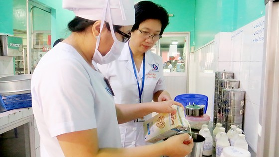 PGS-TS Tạ Thị Tuyết Mai hướng dẫn điều dưỡng cách dùng sản phẩm dinh dưỡng