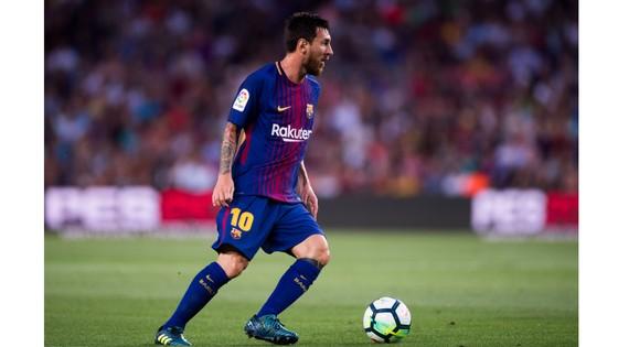 Tương lai Barca phụ thuộc vào Messi.