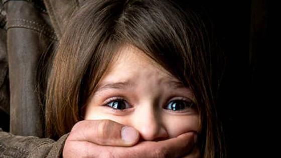 Bắt cóc trẻ con bán ở Trung Quốc và những cuộc tìm kiếm đẫm nước mắt