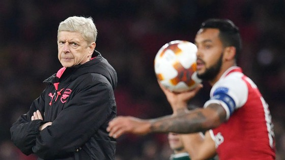 Arsene Wenger luôn tin là người duy nhất có thể giúp Arsenal thắng Premier League. Ảnh: Getty Images