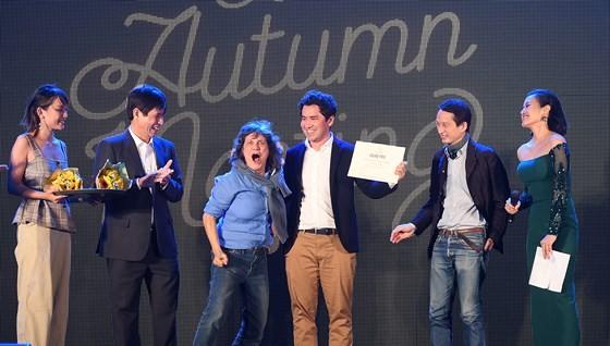 Filmmaker Mauricio Osaki from Brazil wins the Grand Prix at 2017 Autumn Cinema Meeting. (Photo: Sggp)