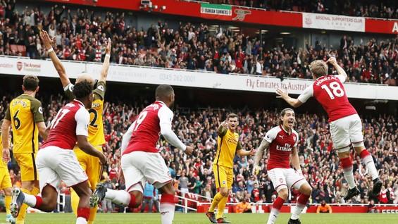 Arsenal (đỏ trắng) đã có chiến thắng trước Brighton. Ảnh: Getty Images
