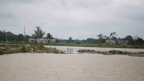 Heavy downpours and flooding seriously devastate central region