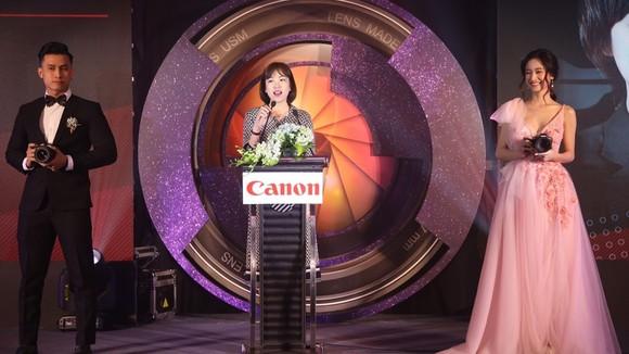 """Canon EOS R được giới thiệu tại """"Tầm cao mới của nghệ thuật nhiếp ảnh"""""""
