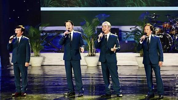 """""""Tinh hoa hội tụ"""" mở màn Liên hoan Ca múa nhạc toàn quốc 2018"""