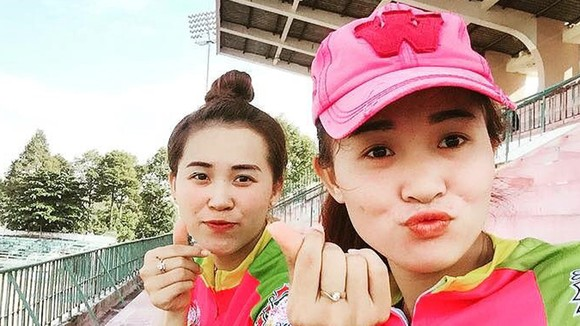 Hai chị em Phạm Hồng Nhung, Phạm Hồng Loan.