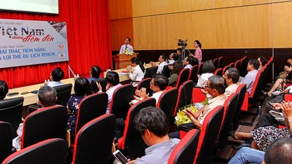 """At the launching ceremony of Vietnam's destinations"""" program"""