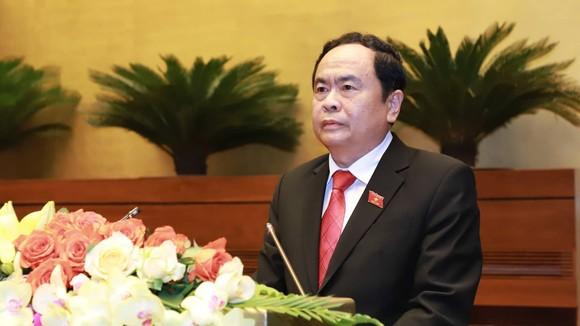 Chủ tịch Ủy ban Trung ương Mặt trận Tổ quốc Việt Nam Trần Thanh Mẫn trình bày báo cáo