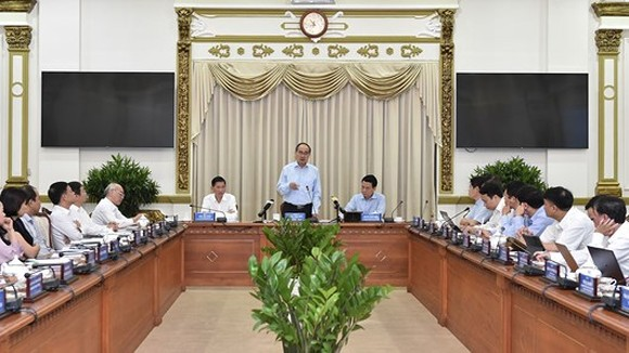 Politburo member and Secretary of the Ho Chi Minh City Party Committee, Nguyen Thien Nhan at the meeting (Photo: SGGP)