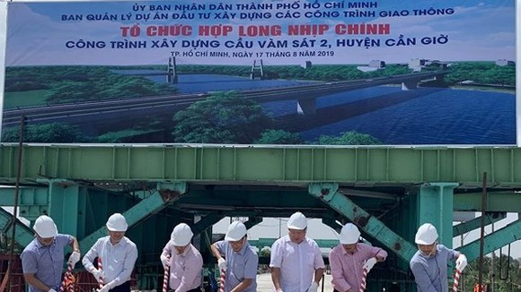 Closure ceremony of Vam Sat No. 2 Bridge (Photo: baogiaothong)