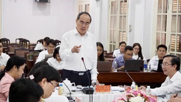 Bí thư Thành ủy TPHCM  Nguyễn Thiện Nhân làm việc với Quận ủy Quận 1