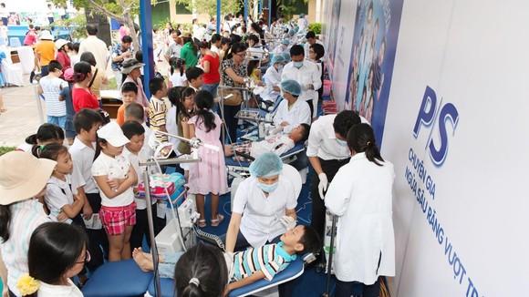 Khám răng miễn phí tại Bệnh viện Răng Hàm Mặt TPHCM, nhân Ngày Sức khỏe răng miệng thế giới (20-3)