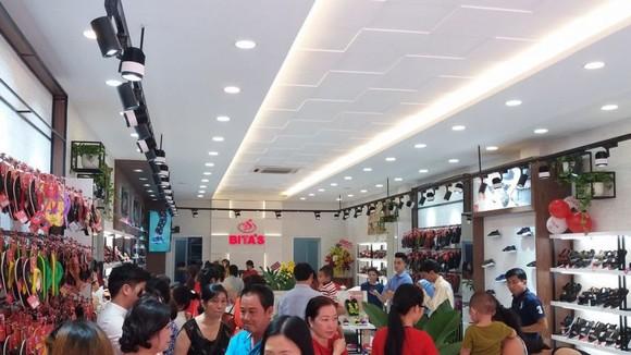 4 家 Bita's 鞋品專賣店開張營業