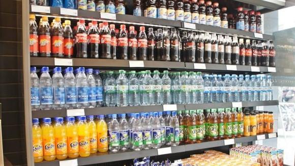 研究報告:飲用汽水和果汁等含糖飲料,與罹患特定癌症的風險較高有關。(示意圖源:互聯網)