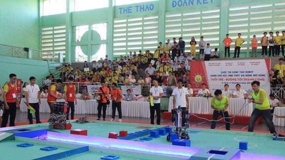 """Cuộc thi """"Sáng tạo Robot dành cho học sinh THPT Đà Nẵng mở rộng năm 2019"""" (Robodnic)"""