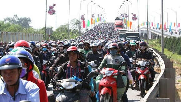 HCMC Transport Department has proposed 36 solutions to limit private motor vehicles (Photo: SGGP)