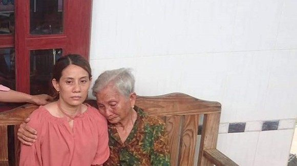 Nguyen Kim Hon reunited with her elderly mother 22 years after being missing