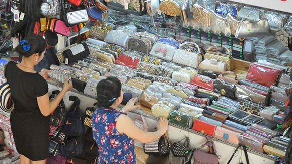 Wallets and handbags are usually faked (Illustrative photo: SGGP)