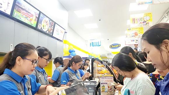 Cửa hàng Cheers thu hút người tiêu dùng vì thực phẩm tươi và thuận tiện mua sắm