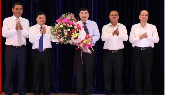 Lãnh đạo tỉnh Đắk Lắk chúc mừng đồng chí Trần Quốc Cường