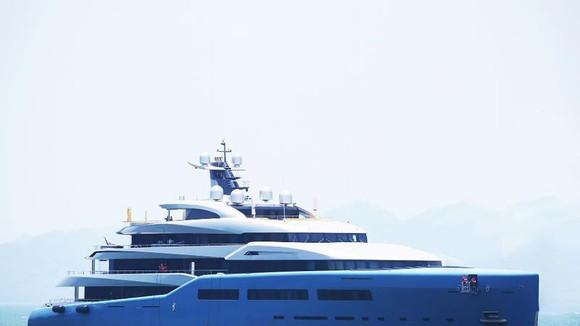 Siêu du thuyền của tỷ phú Joe Lewis cập Cảng tàu khách quốc tế Hạ Long