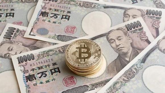 Đồng yen Nhật và tiền bitcoin. (Nguồn: dcebrief)