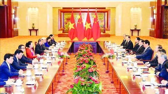 國會主席阮氏金銀與中國人大常委員會委員長栗戰書會談。