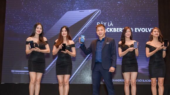 Smartcom chính thức ra mắt Blackberry Evolve