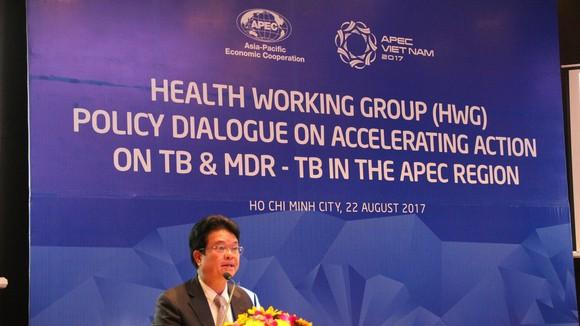 Thứ trưởng Bộ Y tế Phạm Lê Tuấn phát biểu tại buổi đối thoại