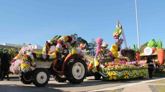 Automobiles decorated with flowers at Da Lat Flower Festival