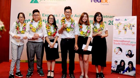 6 học sinh Việt Nam đoạt giải trong cuộc thi Thách thức thương mại quốc tế FedEx/JA ITC châu Á - Thái Bình Dương 2016