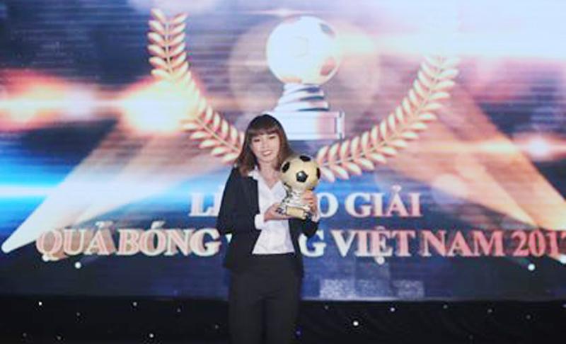 Infographic Thành Trung và Kiều Trinh đoạt Quả bóng vàng Việt Nam 2017