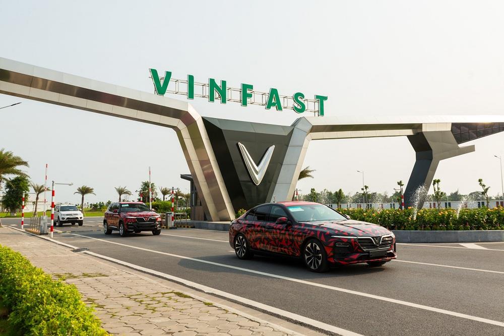 Hành trình 6.000km chạy xuyên Việt của xe Vinfast