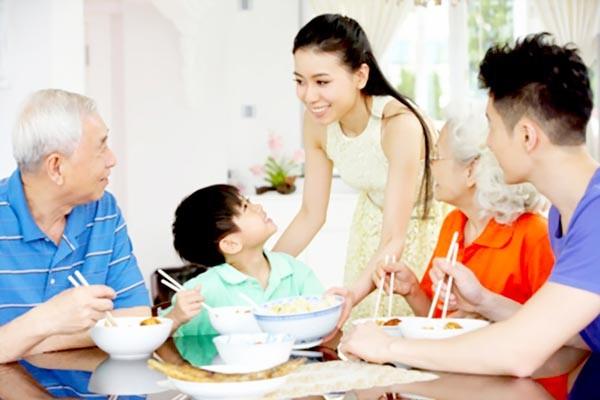 Kết quả hình ảnh cho phụ nữ và gia đình