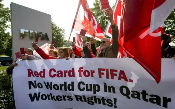 Vụ bê bối World Cup 2022: FIFA sẽ chọn Anh hay Mỹ thay cho Qatar? ảnh 1