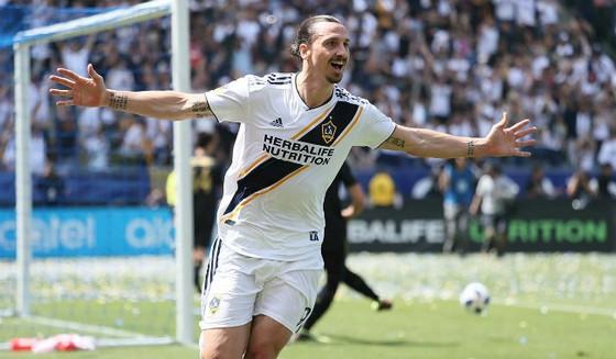 Ibrahimovic đã có màn ra mắt hoàn hảo trong màu áo LA Galaxy. Ảnh: Extra.ie