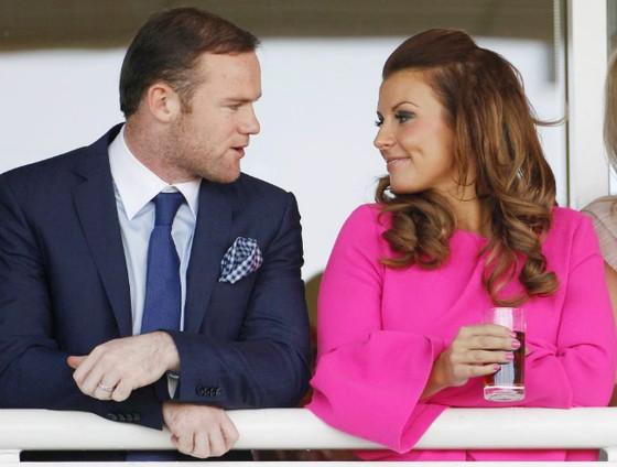 Rooney chi đến 100.000 bảng để tặng quà sinh nhật cho vợ. Ảnh: The Sun